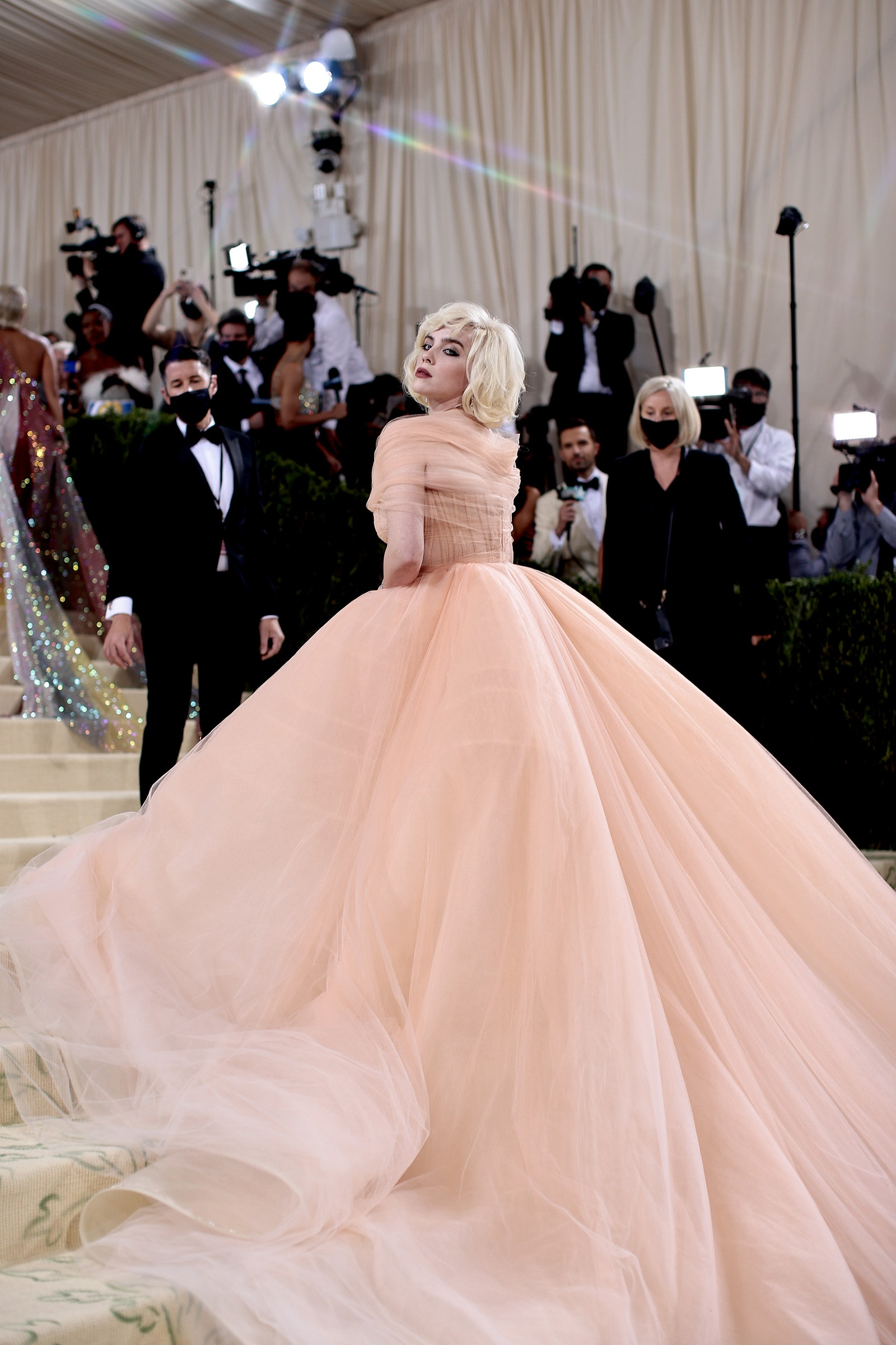 NEW YORK NEW YORK SEPTEMBER 13 Billie Eilish attends The 2021 Met Gala Celebrating In America A Lexicon Of Fashion at...